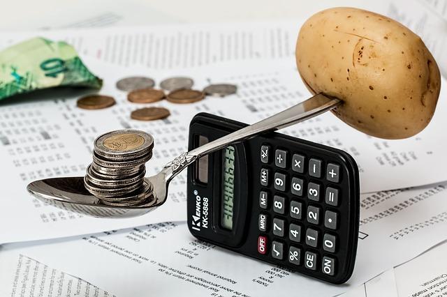 Money, Money, Money: 3 Benefits of an HR Payroll Software